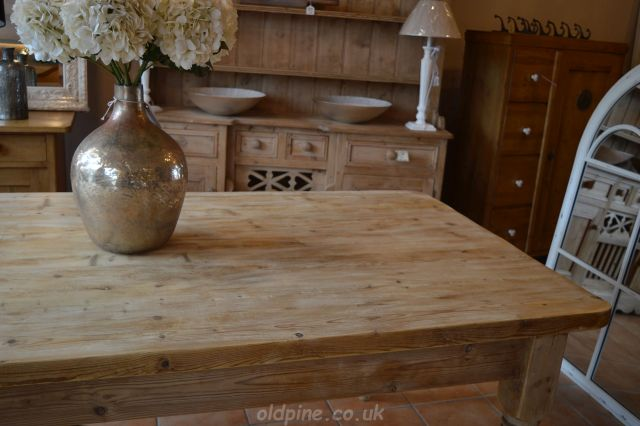 gorgeous scrub top scrubbed pine table and dresser natural finish